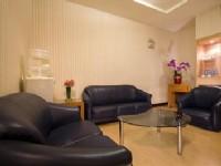 玫瑰園汽車旅館-玫瑰套房獨立客廳