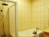 玫瑰園汽車旅館-溫馨套房浴室