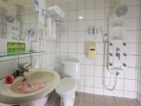 金城客棧-溫馨客房浴室