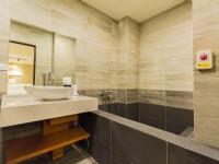 若輕溫泉飯店-礁溪凱麗館-房內泡湯池