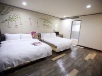 A22微旅Hotel-雅緻四人房