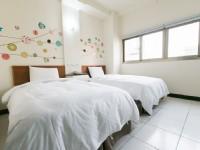 意文大飯店-雙人兩小床