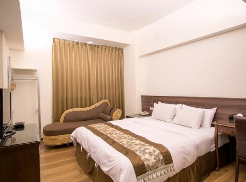 Huang Shin Business Hotel