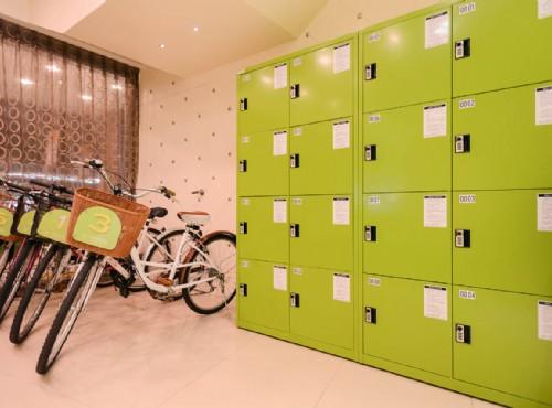 腳踏車與置物櫃