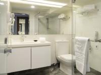 五都大飯店-標準客房衛浴