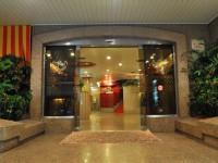 華國商務飯店-大門