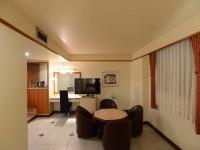 華國商務飯店-標準雙床3人房-客廳