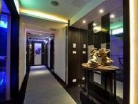 See's Revert Hotel-Stylish hallway
