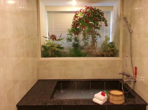 精緻四人房浴室