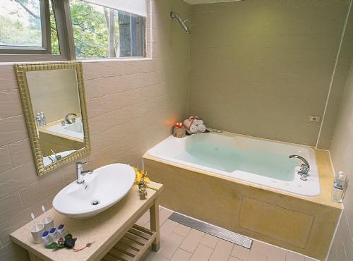 四 人房浴室