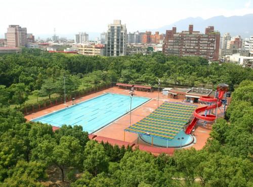 公園游泳池