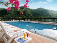 春天酒店-紅檜游泳池