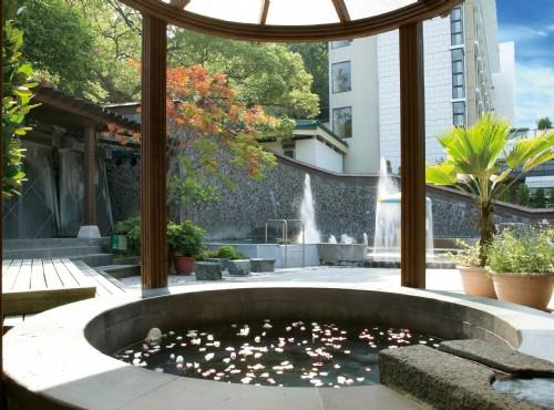 露天風呂-花瓣浴