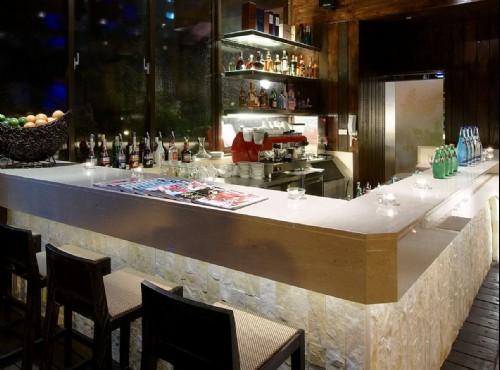 六國酒吧夜景