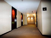 全家商務旅店-走廊