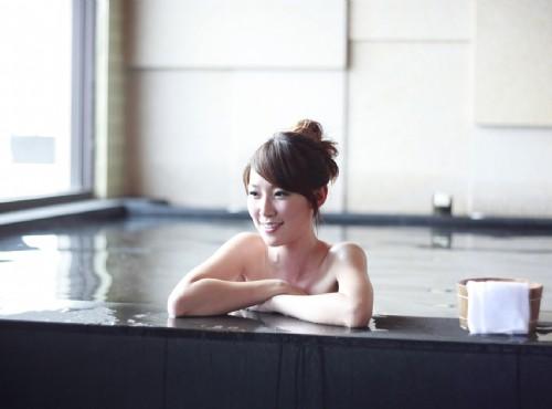 湯池,裸湯