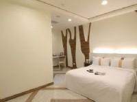 賓王時尚旅店-雙人房型-原木之鄉