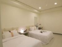 賓王時尚旅店-四人房型-典雅