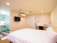 Jade Hotel-