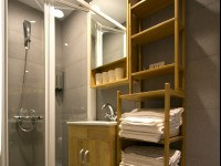 約克設計旅店-北歐溫馨四人房-浴室