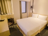 氧氣旅店北車館-雙人床