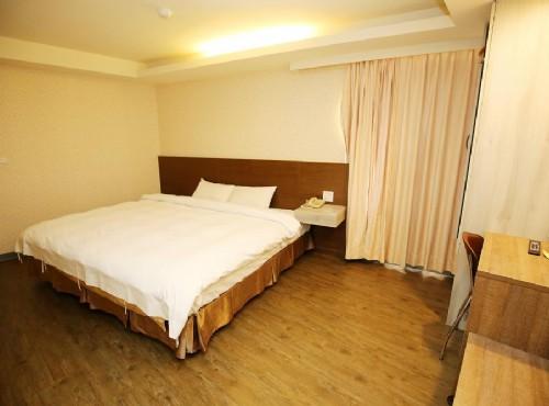 精緻雙人房-一大床