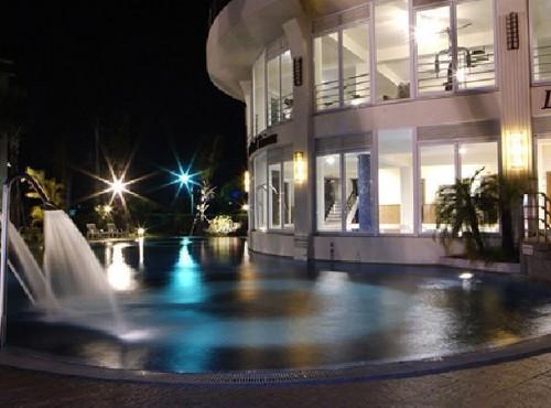 室外设施夜景