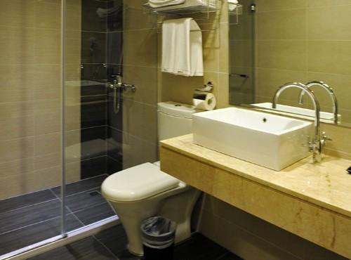 標準四人房衛浴