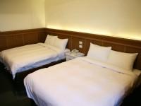 奇萊大飯店-精緻四人房