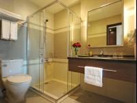 F HOTEL花莲站前馆-精致二人房浴室