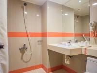 國廣興大飯店-標準雙人房衛浴