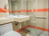國廣興大飯店-標準雙床房衛浴