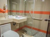國廣興大飯店-標準三人浴室