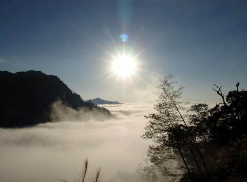 向欣谷夕陽雲海