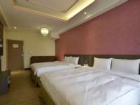 兆迪商務旅館-溫馨四人房