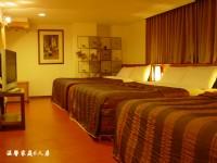 高山青大飯店-六人套房