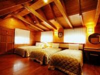 歐都納山野渡假村-美式風情木屋四人房