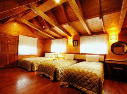 美式風情木屋四人房