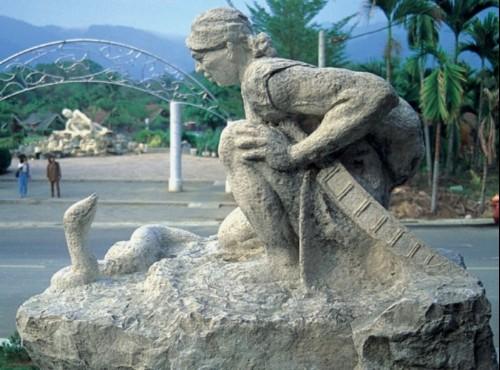 石雕(泰雅族)