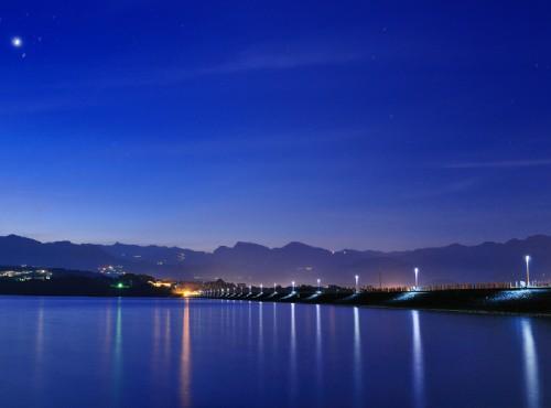 會館外夜景