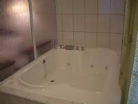 松柏林民宿渡假山莊-按摩浴缸