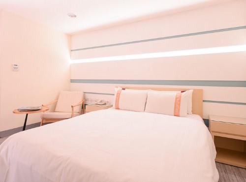雙人房一大床