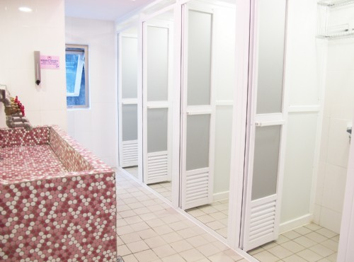 女用公共衛浴