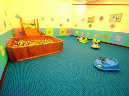 兒童遊戲池