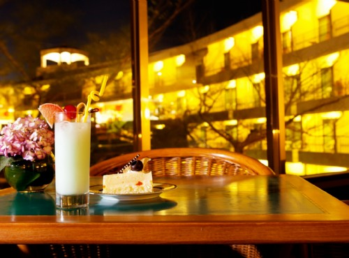 飯店餐廳夜景