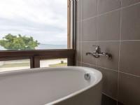 聽靜海休閒會館-觀海豪華雙人房 衛浴