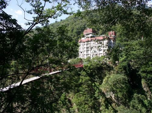 虹橋與飯店