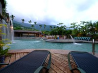 亚湾饭店-露天山泉游泳池