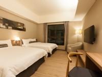 F HOTEL知本館-溫馨四人房-木地板