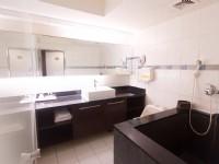 嘉賓閣溫泉會館-美滿雙人房浴室